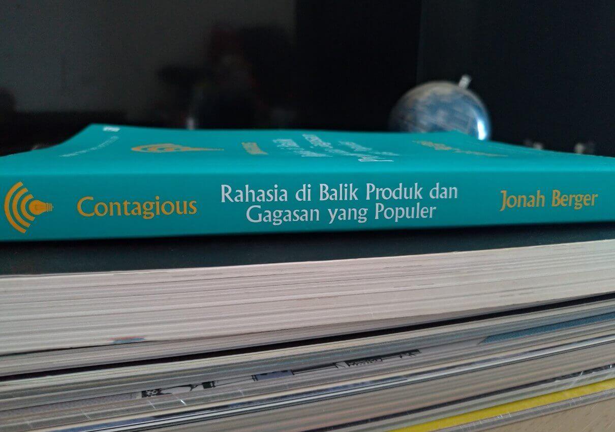gambar buku contagious